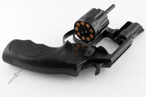 03. Револьвер под патрон Флобера Safari РФ-420.