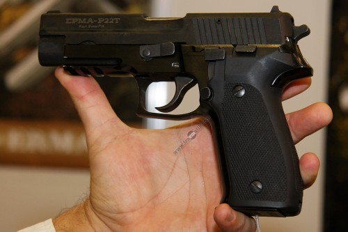 06. Травматический пистолет «ЕРМА P22Т»