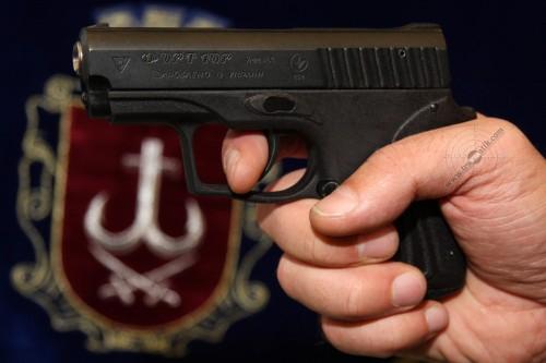 04. Травматический пистолет Форт-10Р с полимерной рамкой.