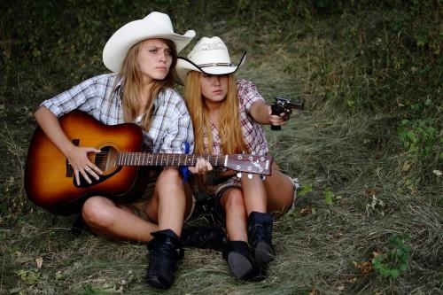 01. РЕВОЛЬВЕР КЛУБ ДОНЕЦК. Revolver Girls 2012.